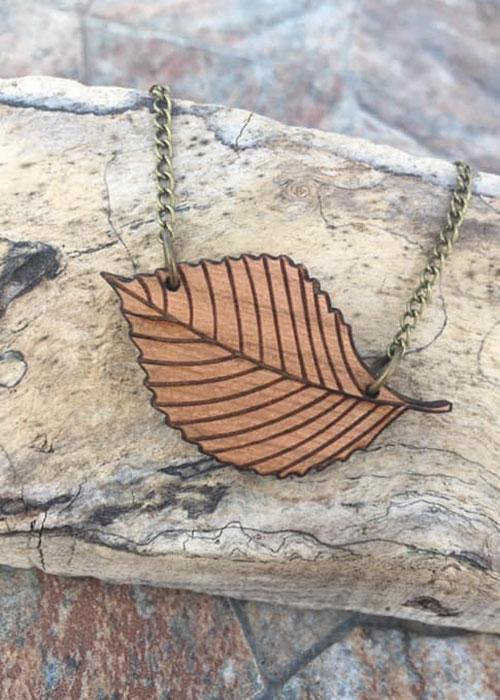 elm leaf necklace wooden